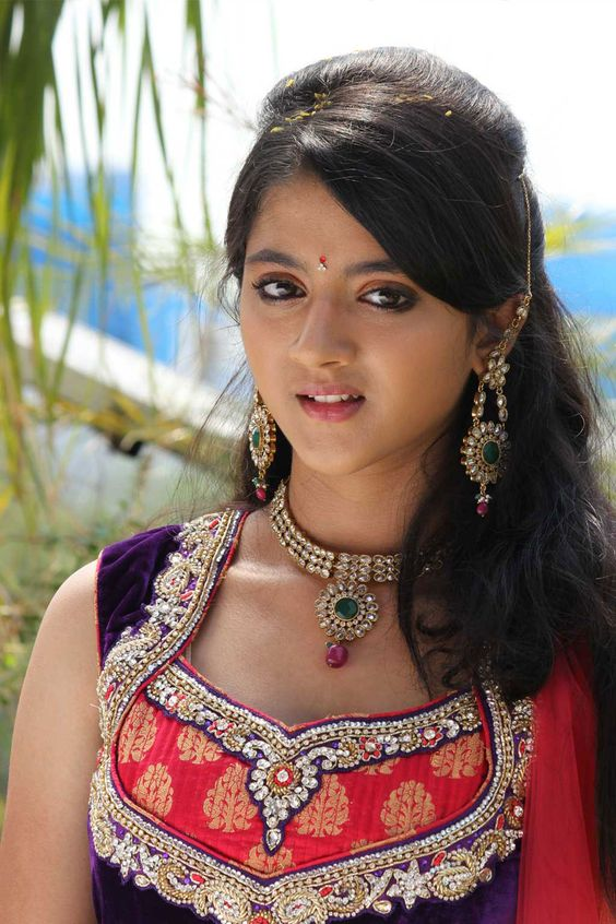 Shriya Sharma Wiki, Height, Weight, Age, Husband, Family and Biography
