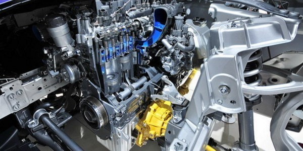 2018 Jaguar F-Pace SVR Engine