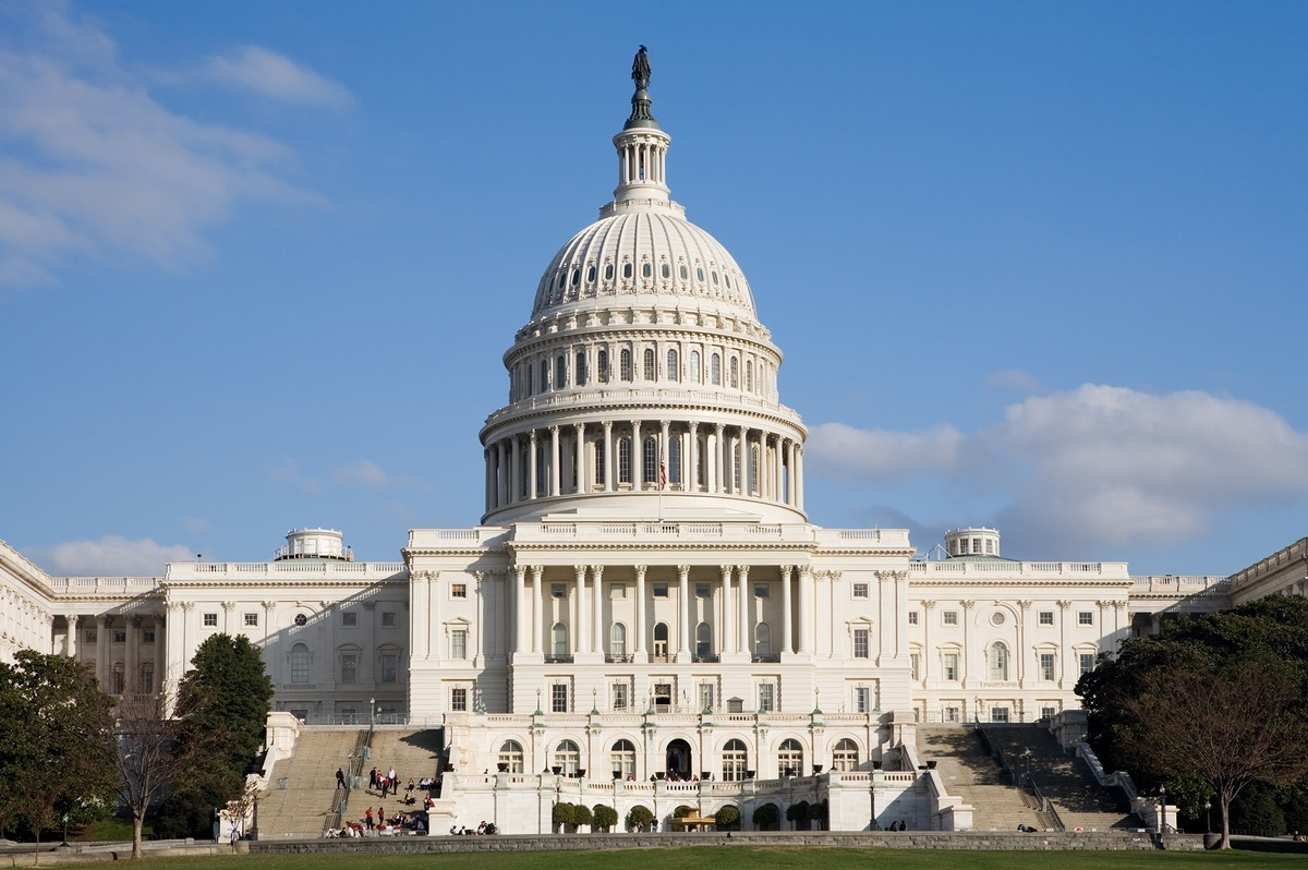 Demócratas aceptan votar para reabrir el gobierno — EEUU
