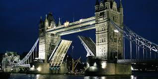 Tower Bridge - Tempat Ikon Foto