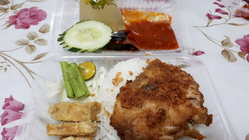 Nasi Ayam Penyet Sambal Berapi