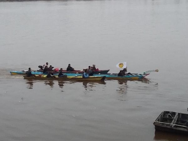 Dari Subuh menyusuri Sungai Kapuas, Ikuti Lomba Sampan Bidar di Seraras
