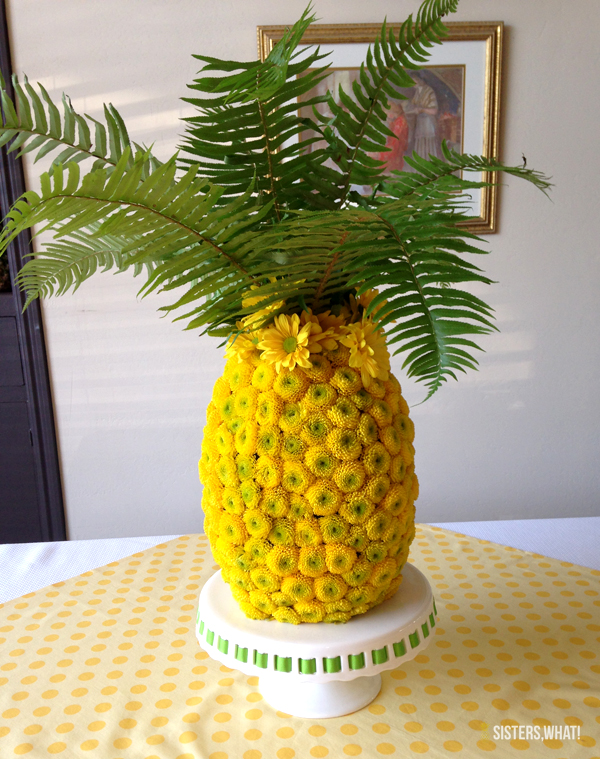 Oh my goodness!! This floral pineapple!!