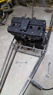 Slingshot KMP moteur GSX/R dans under construction 17426158_1483444188367253_6121077145410935817_n