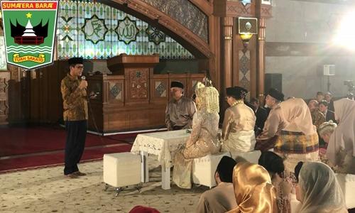 Gubernur Irwan Prayitno Jadi Saksi Nikah di Bandung