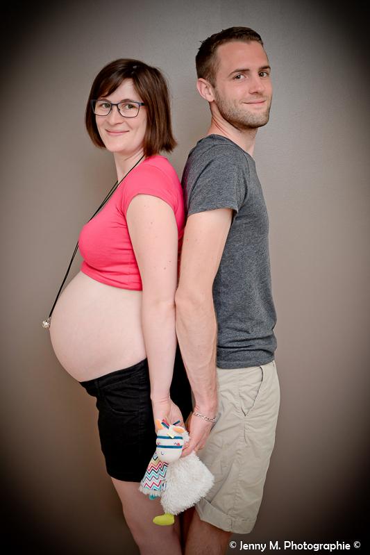 portrait couple photo bidon tout rond avec doudou