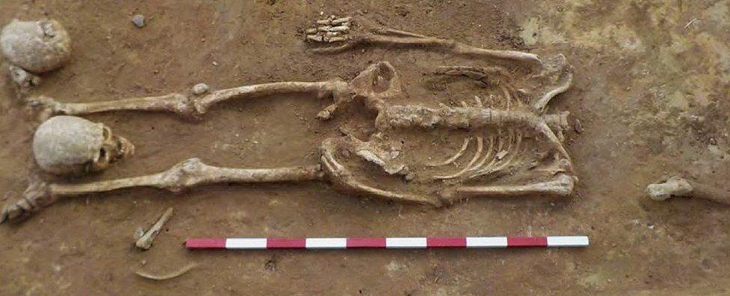 Cementerio con cuerpos decapitados de época romana en Suffolk, Reino Unido. Foto: Archaeological Solutions.