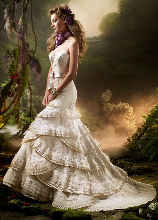 DevilInspired Wedding Dresses Top Wedding Dresses in the Victorian Style