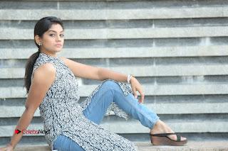 Telugu Television Actress Karuna Latest Pos In Denium Jeans  0133.JPG