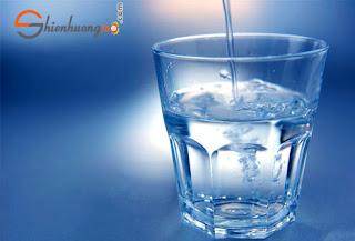 Uống nước giúp bạn giảm cân