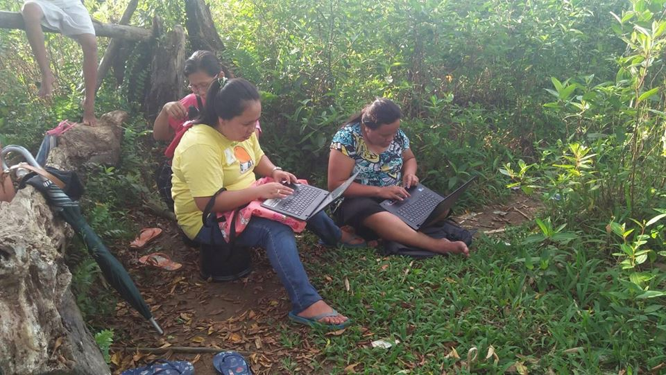 Leyte teachers have to climb mountains and trees just to send DepEd online reports