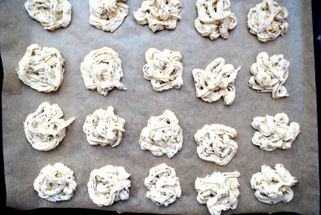 łatwe ciastka,szybkie ciastka kruche,kruche ciasteczka,latwy przepis nakruche ciasteczka maślane,