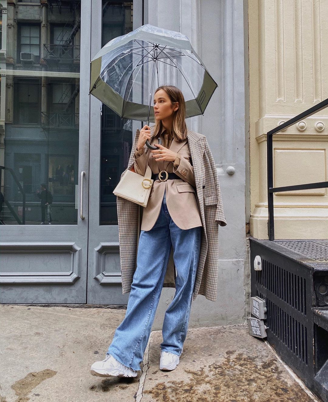 How to Look Chic On a Rainy Day