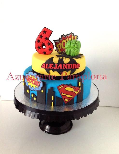 """Tarta de cumpleanos """"Superheores"""" Azucararte Pamplona"""