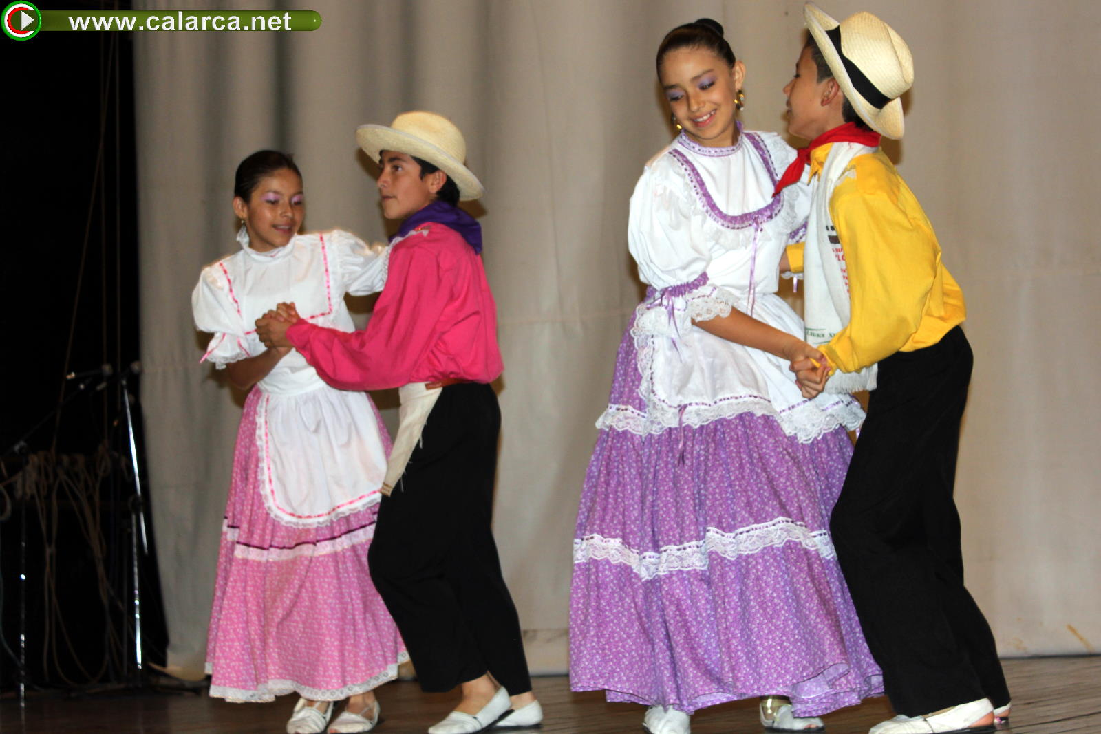Danza folclórica - John F. Kennedy