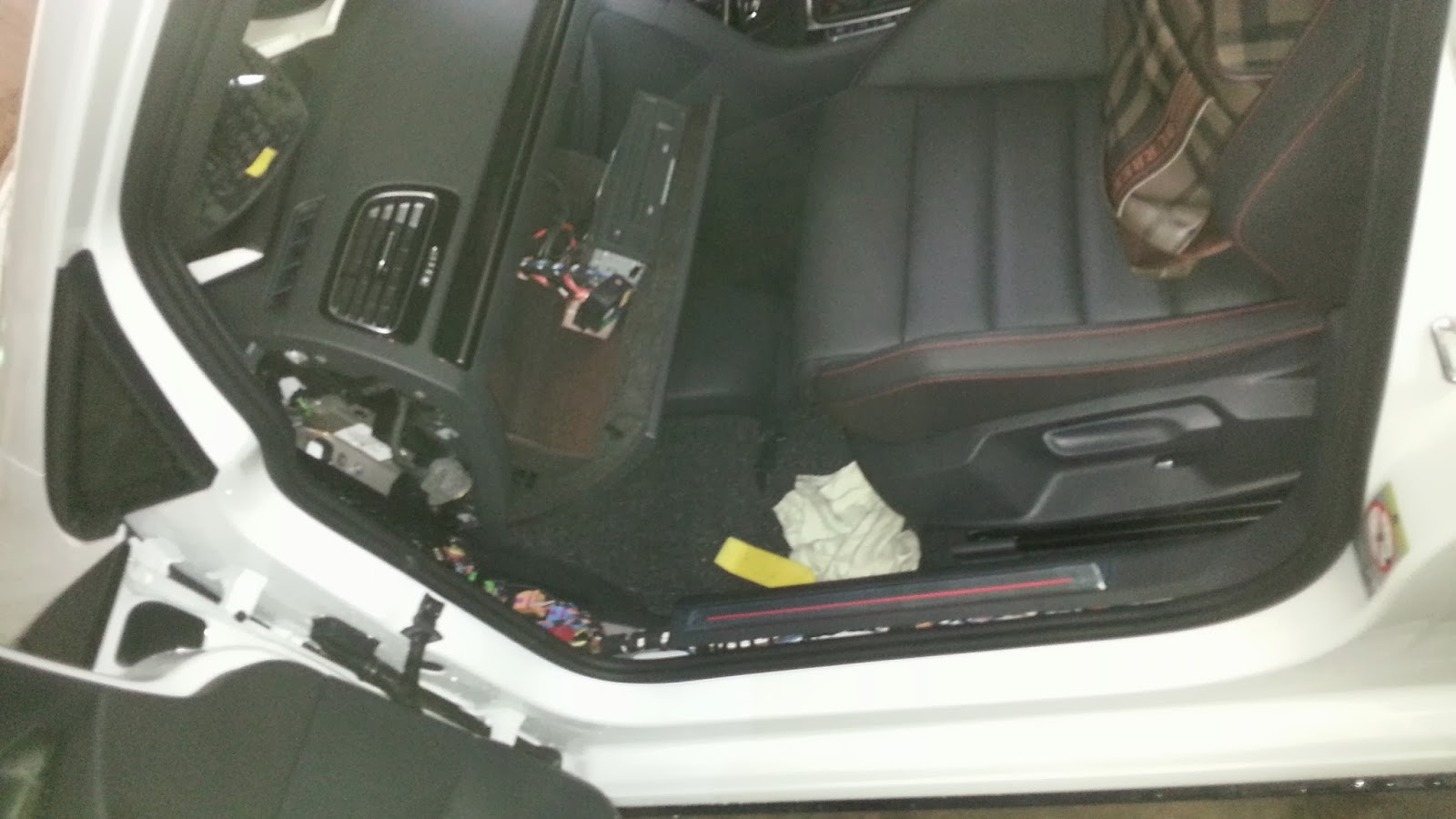 CBX RNS510 & Accessories: Emblem Reverse Camera : Golf 7 GTI