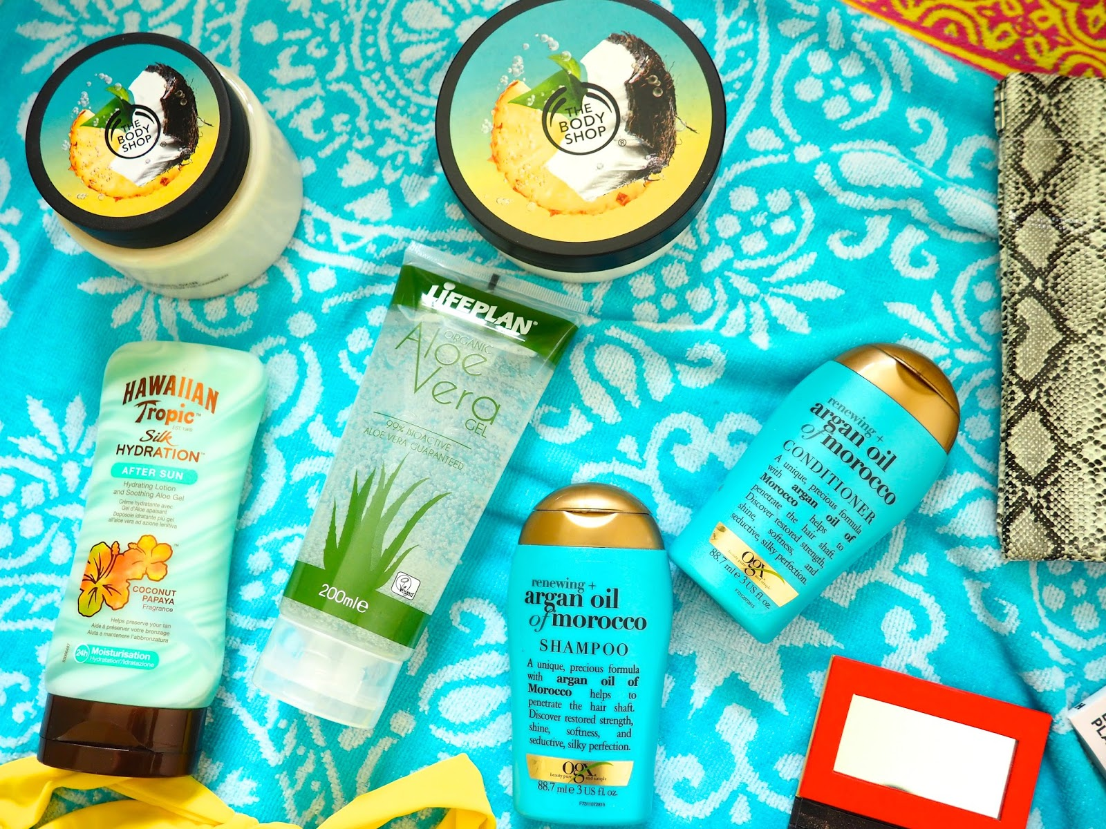 It's Cultured Holiday Essentials Body and Hair