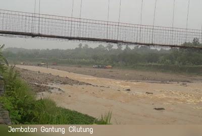 Perhatikan Nasib Jembatan Gantung Cilutung !!!