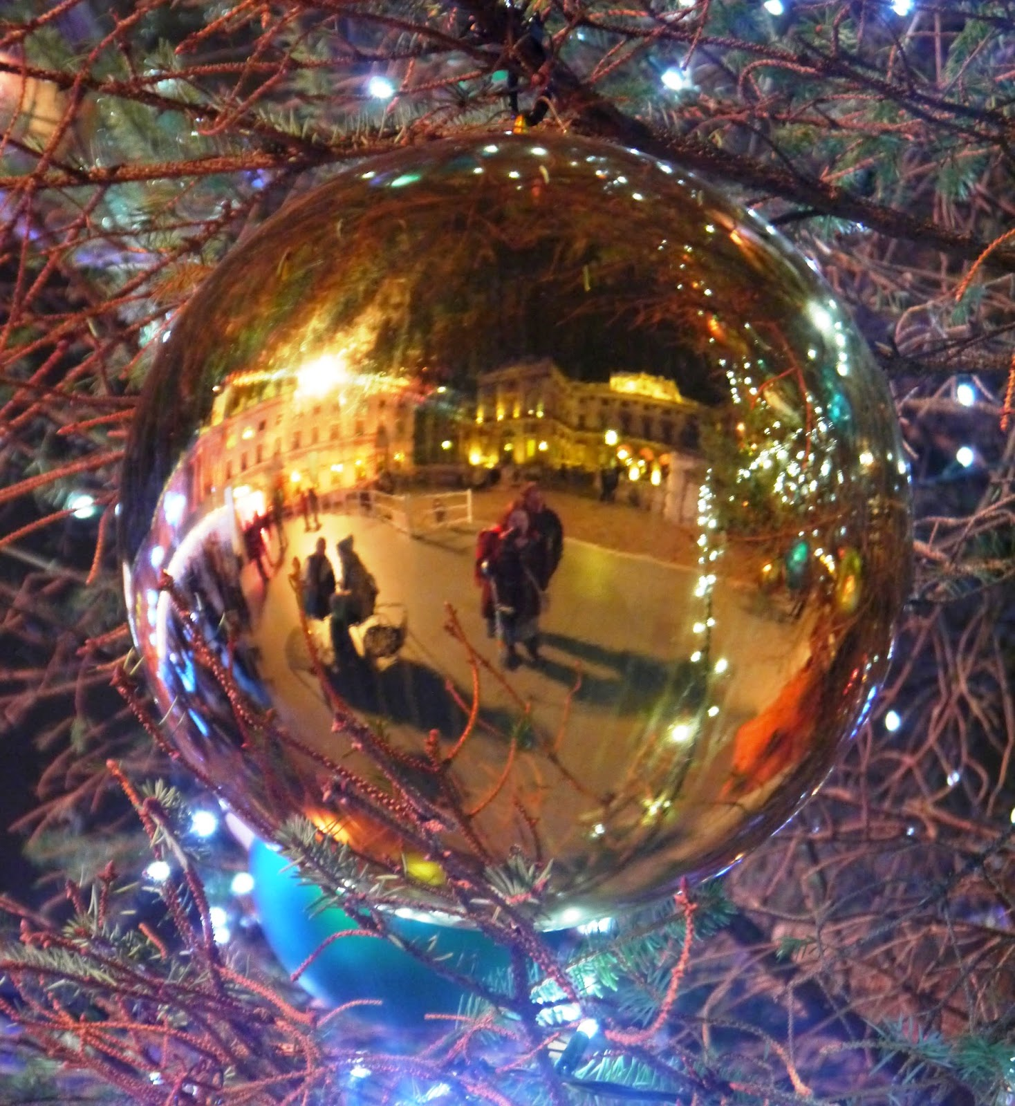 Somerset House Christmas tree bauble