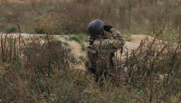 Командувач ООС показав міжнародним спостерігачам докази злочинів бойовиків