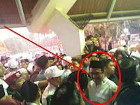 (VIDEO) Wow..Botol-Botol Beterbangan Saat Djarot Keluar dari Acara Haul Soeharto