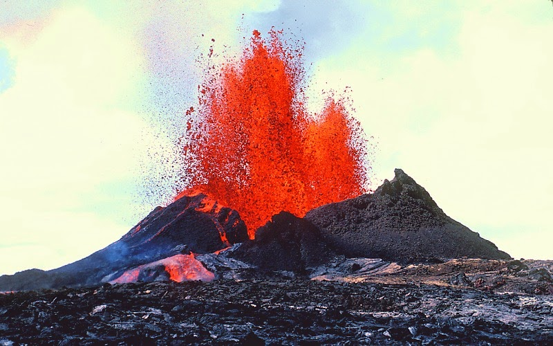 How Can a Volcano Erupt Mafic Lava One Time, and Then Felsic Lava Another Time?