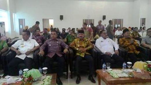 Dr.H.Zainuddin SH.MH ,Hadiri ,Penyerahan ,LHP Semester II, 2016, Di, Makassar