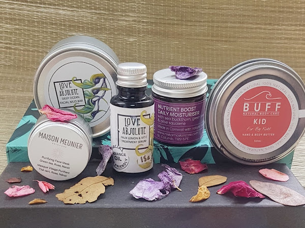 The Natural Beauty Box - Skin-Tritious Review