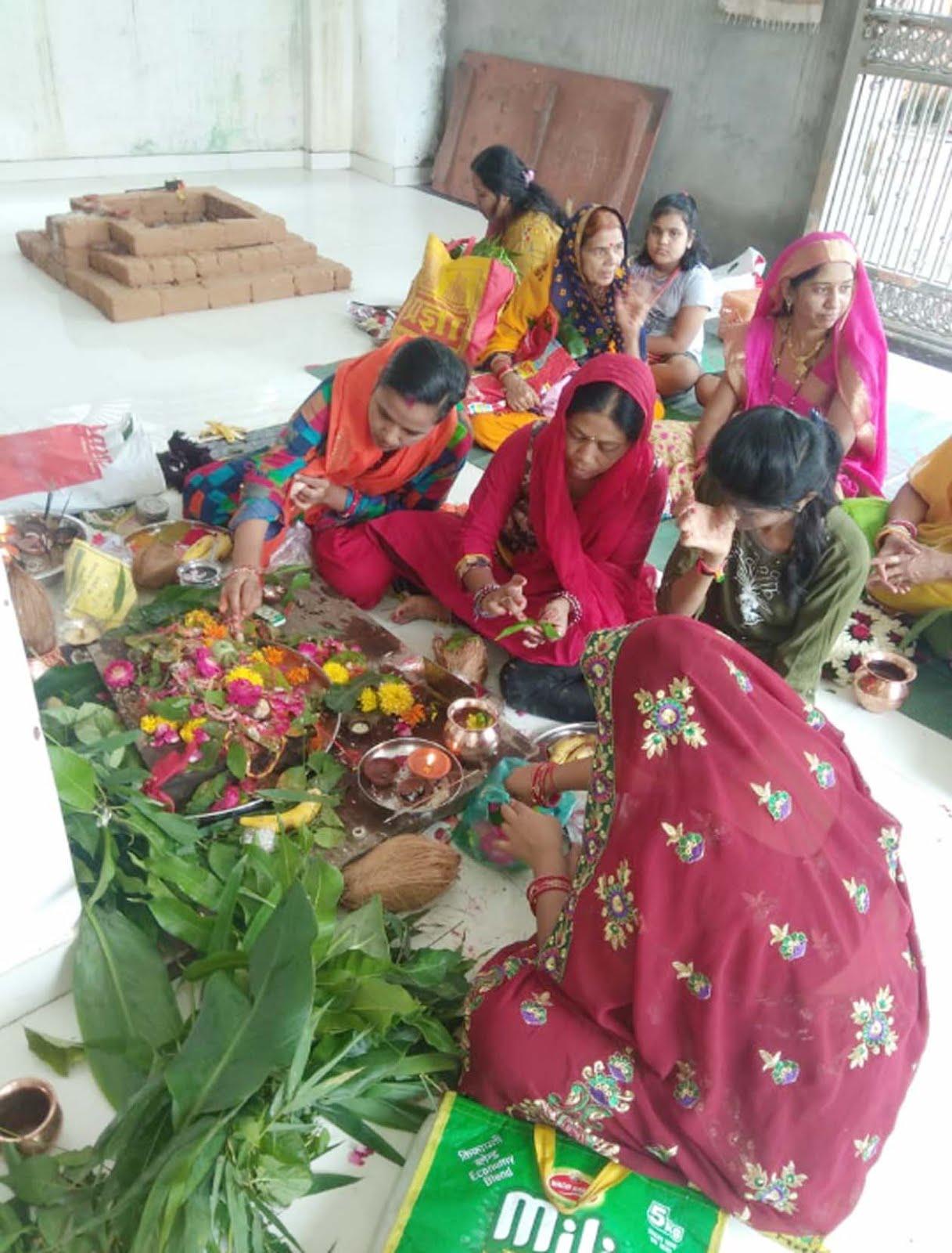 Jhabua News- उमापति महादेव मंदिर में मनाया गया हरितालिका तीज व्रत