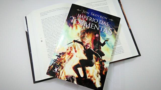 [RESENHA #476] O IMPÉRIO DAS TORMENTAS - JON SKOVRON