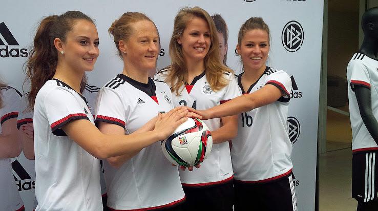 Deutschland 2015 Frauen Wm Heimtrikot Veröffentlicht Nur Fussball