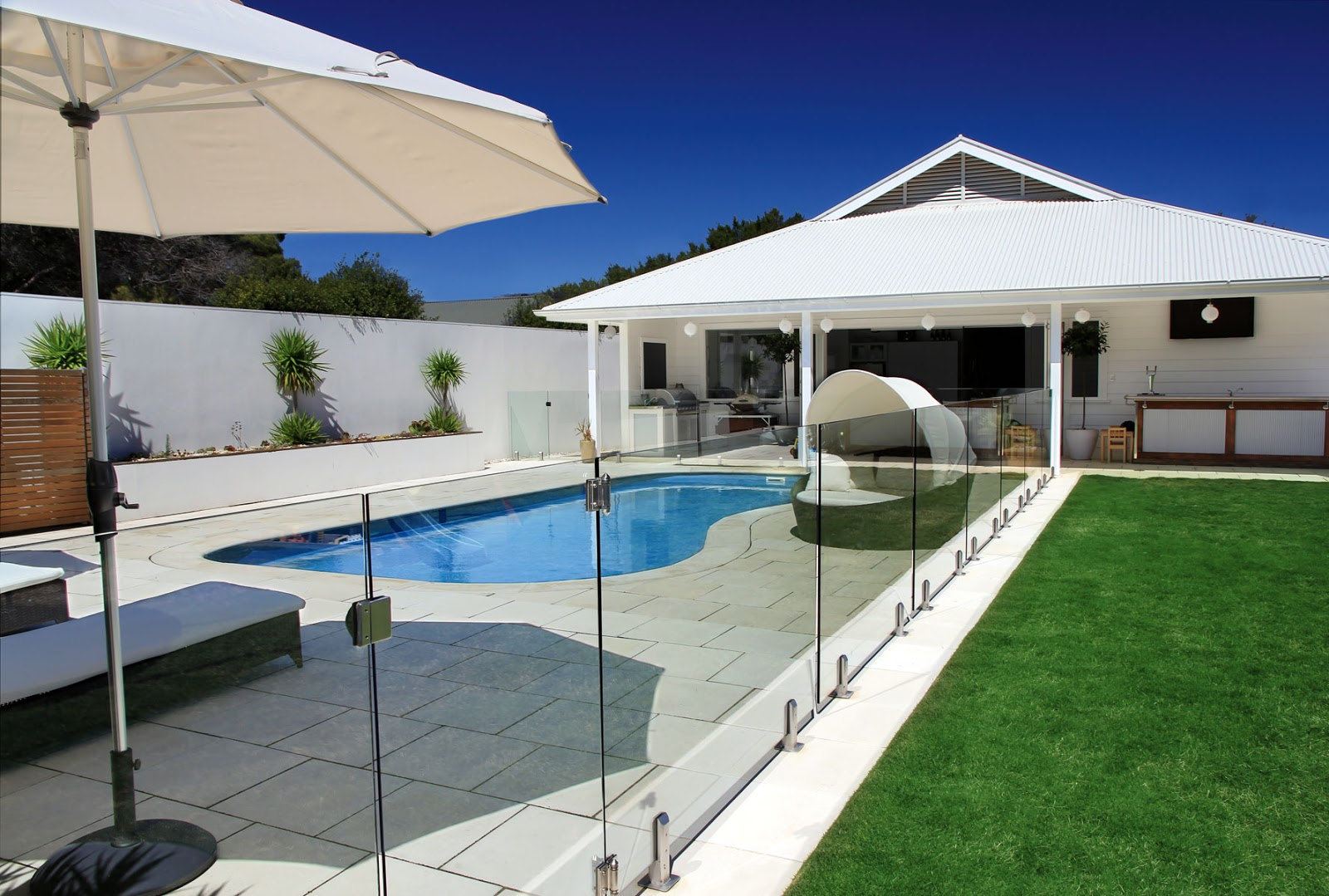 Why Take Into Consideration A Frameless Glass Swimming Pool Fencing Its All About You
