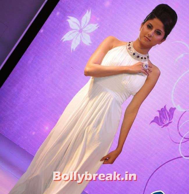 , Yuvika Choudhary at Femina Sparkle Fest 2014 Fashion Show