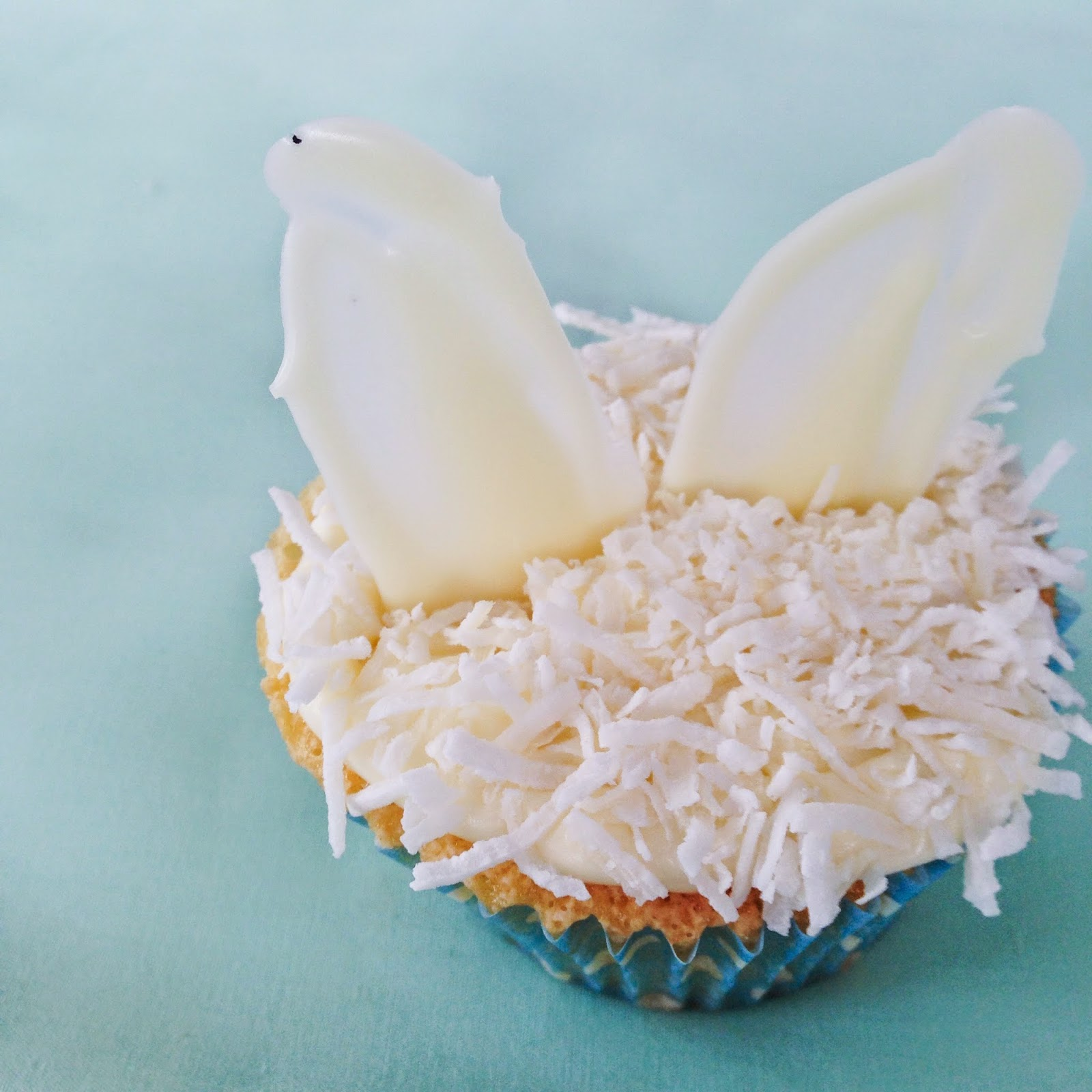 GoodFoodWeek - Gluten Free White Chocolate Bunny Cupcakes