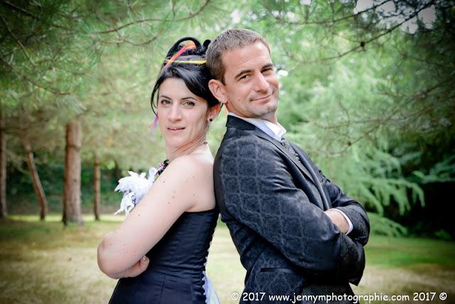 portraits mariés, photo de couple mariage dans la forêt