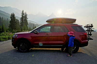 2018 Ford Explorer XLT at Parker Ridge Trailhead, Banff