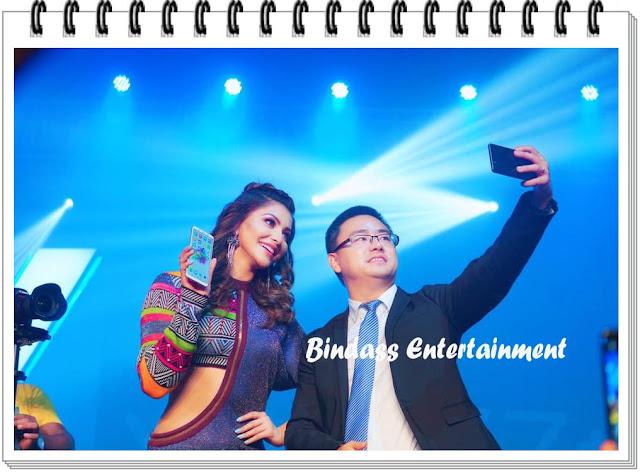 urvashi-rautela-on vivo-mobile-promotion-2