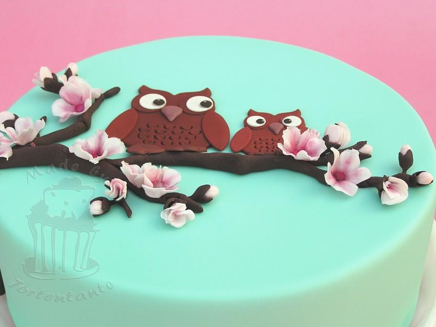 eulentorte mit Kirschblüten