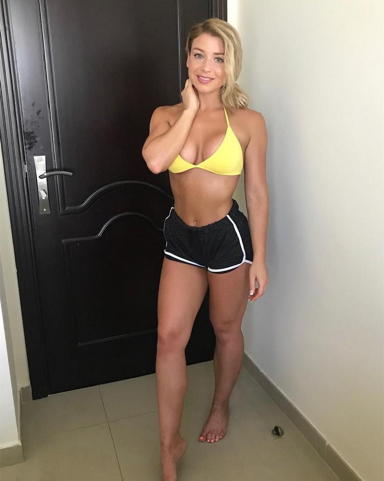 Sophie Aris Fitness Model