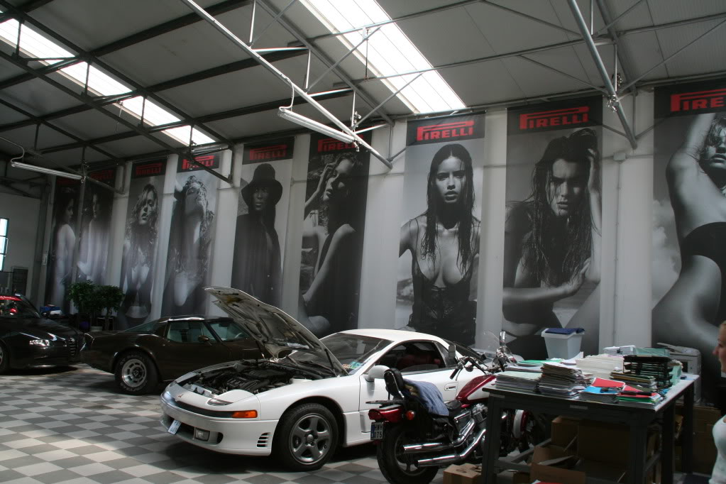 Ultimate garages great garages and car collections for 1 5 car garage