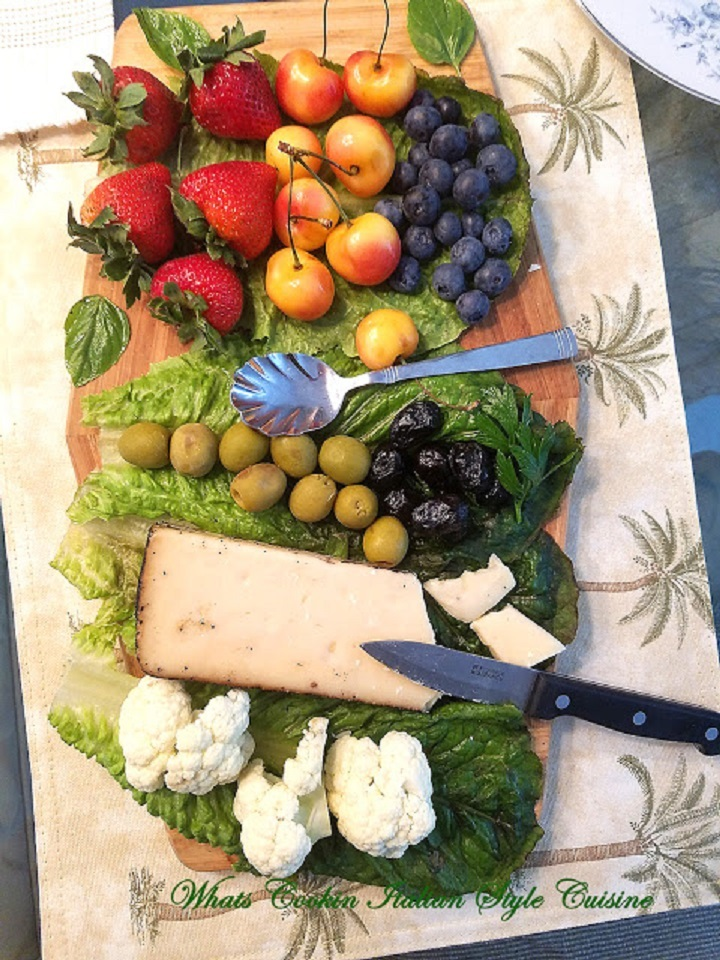 This is how to make an appetizer tray and serving suggestions