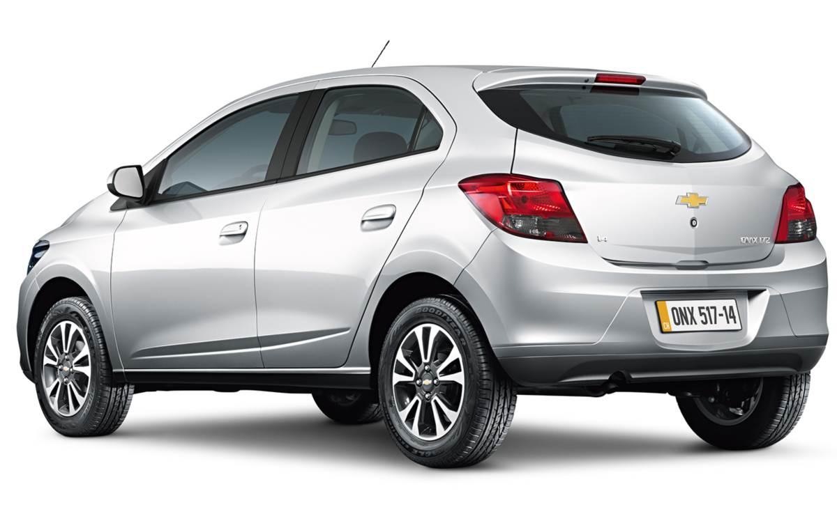 Chevrolet Onix 2015: tabela de preços e itens das versões ...