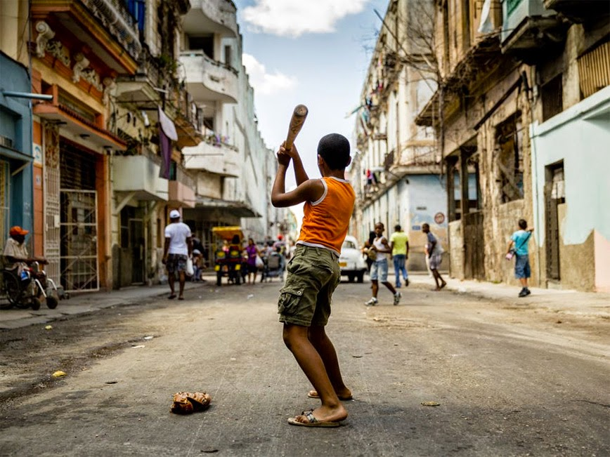6. Baseball in the Streets – Havana, Cuba - 27 Amazing Travel Photos That Will Infect You With The Travel Bug