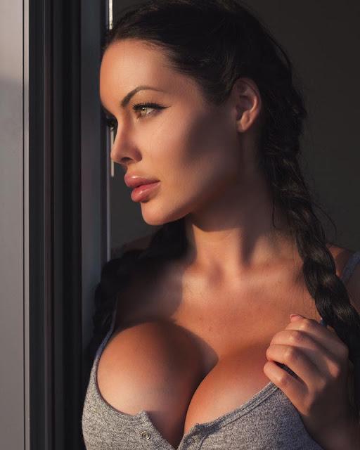 Hot girls Verónica Black sexy big breasts Fan David Beckham 9