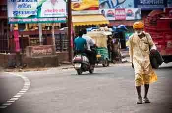 Der Unternehmer Brijaj Singh auf dem Weg zum Flughafen
