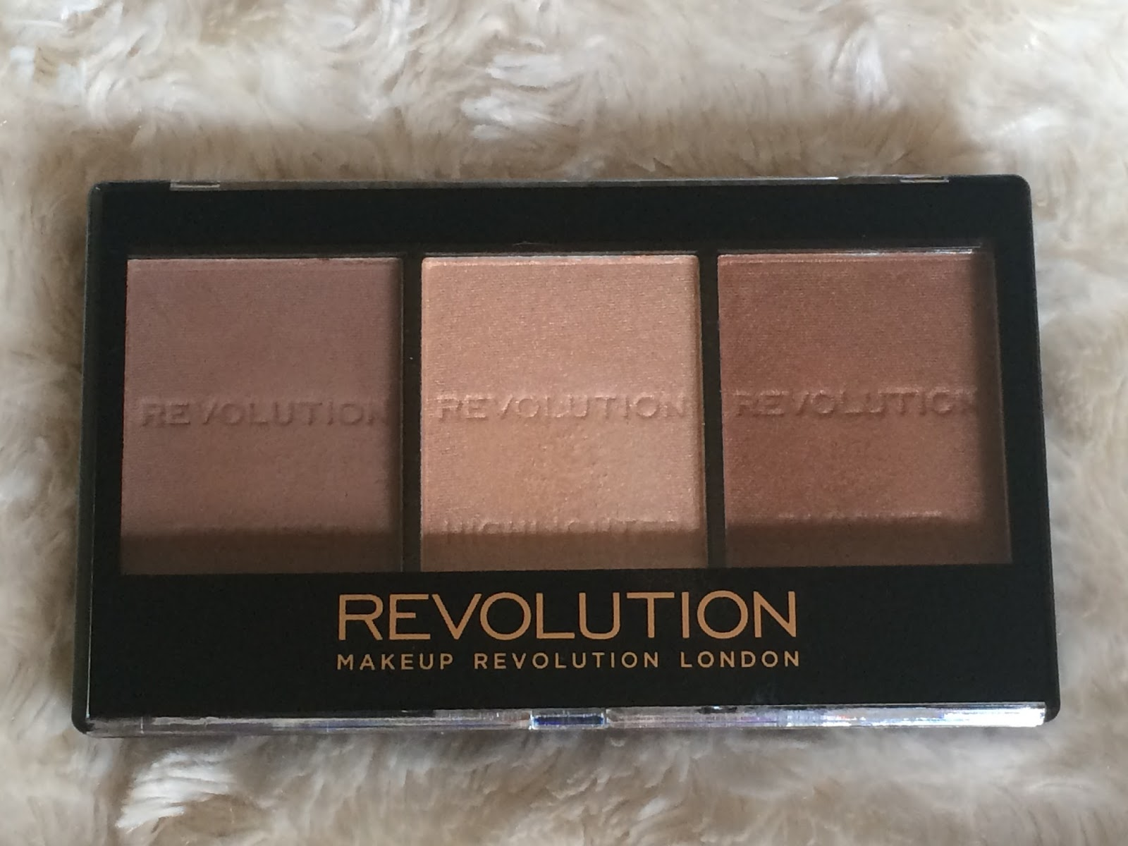MAKEUP REVOLUTION SCULPT & CONTOUR REVIEW