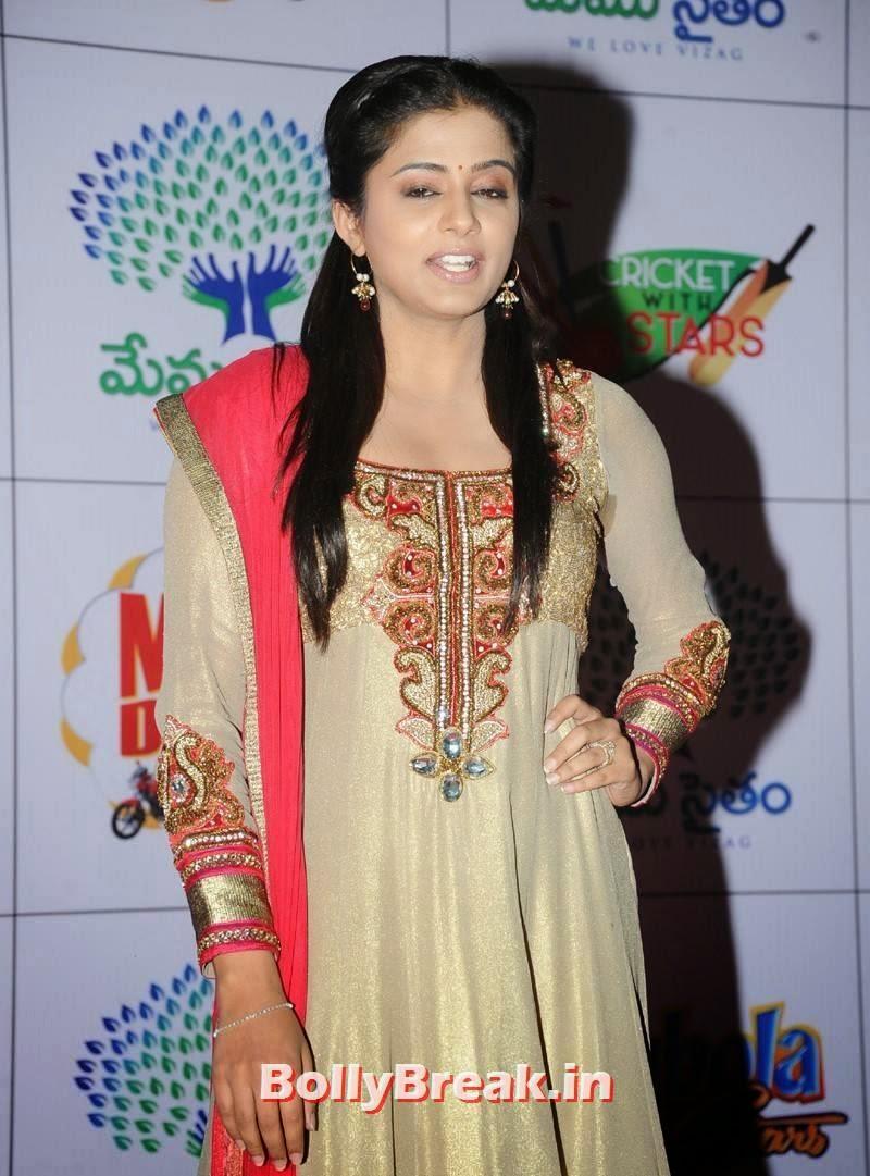 Tollywood Actress Priyamani, Priyamani Photos in Punjabi Anarkali Suit