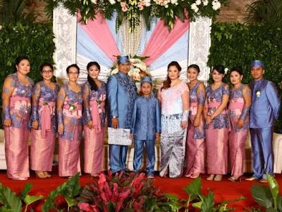 Inspirasi Model Seragam Keluarga Pengantin