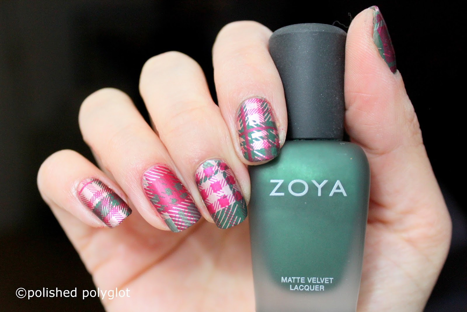 Nail Art │Green, Red & Gold Tartan Pattern Nails [Nail Crazies ...
