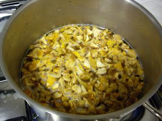 Φτιάχνω μανιτάρια τουρσί